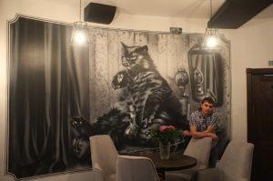 Роспись в кафе кот