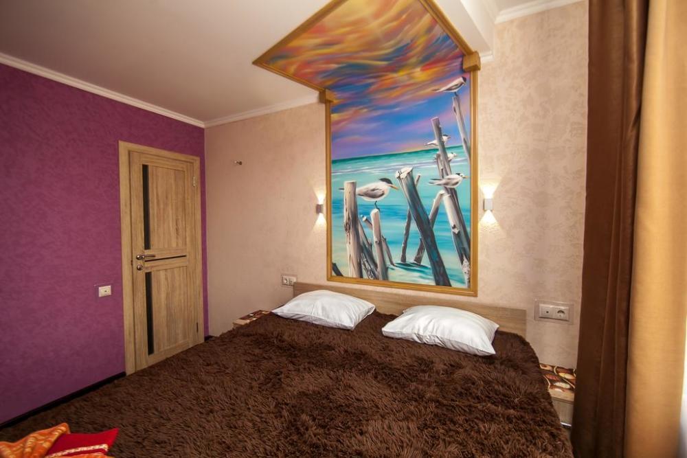 роспись в отеле чайки